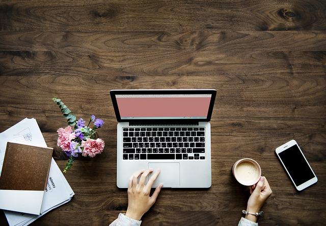 2018 Social media nurty – jak prawidłowo radzić sobie w świecie portali społecznościowych.